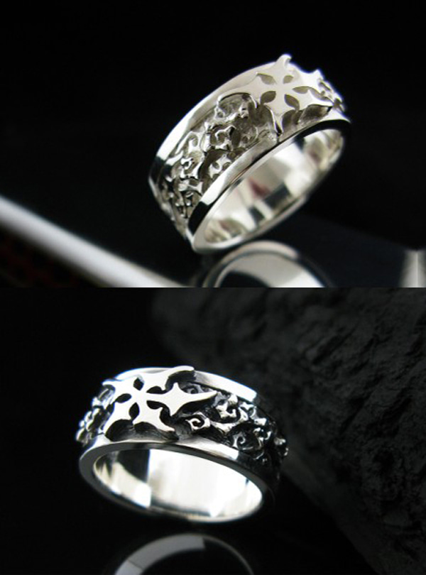 Lunar Scent silver ring