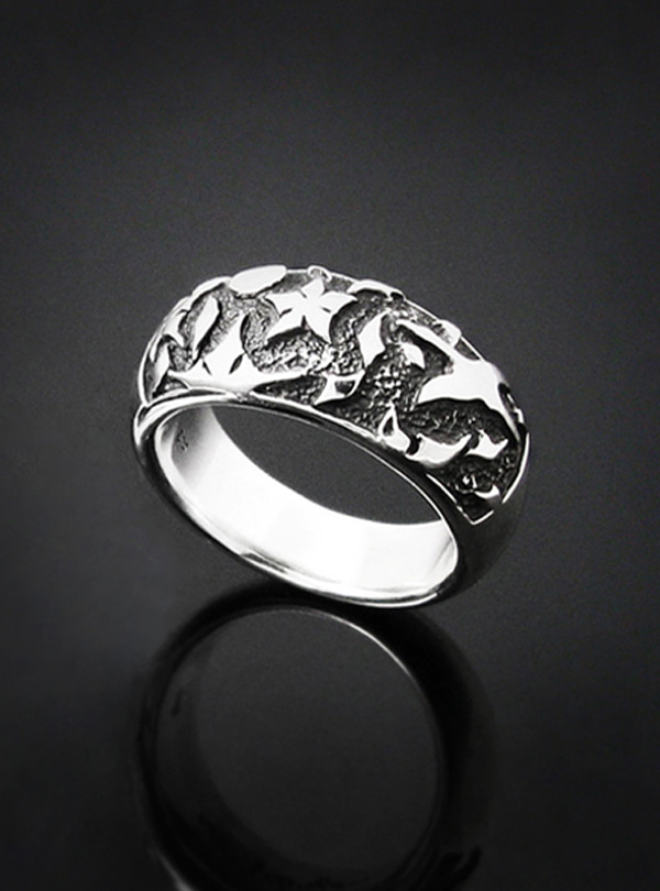 Lunar Breeze silver ring